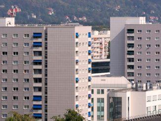 Dresdner mit geringem Einkommen haben es auf dem städtischen Wohnungsmarkt schwer. Foto: Fotolia.com © manfredxy #221566616