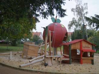 Neuer Spielplatz auf der Grünanlage Leubnitzer Höhe