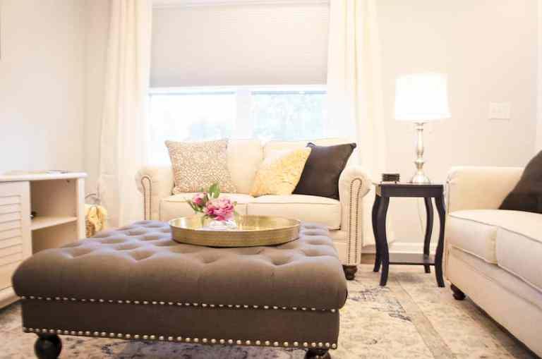 Dawson Retreats near Missouri star quilt co hotel townhome living room