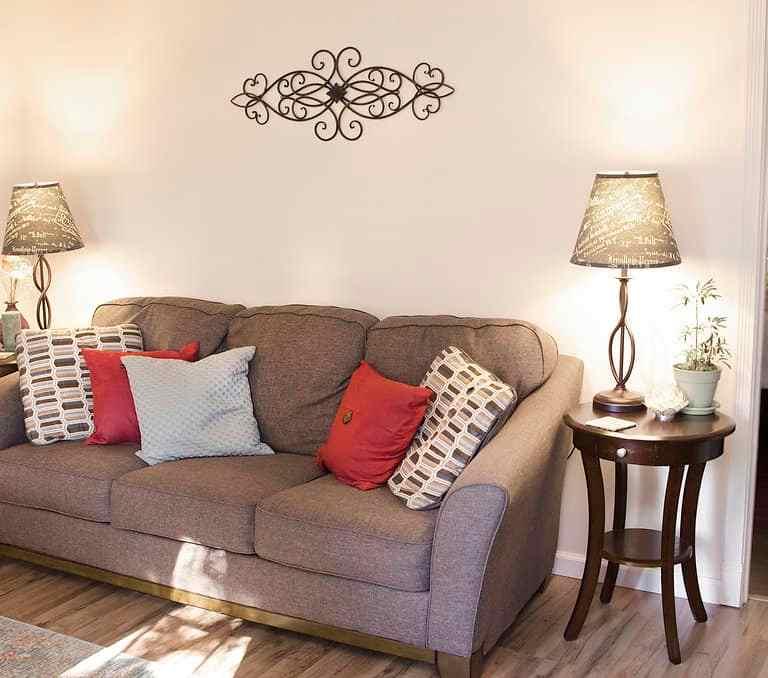 Dawson Retreats near Missouri star quilt co hotel cottage living room