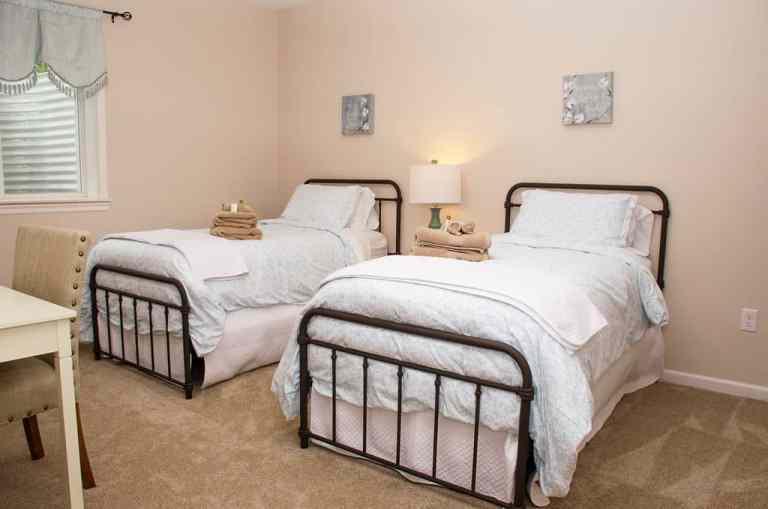 Dawson Retreats near Missouri star quilt co hotel villa bedroom