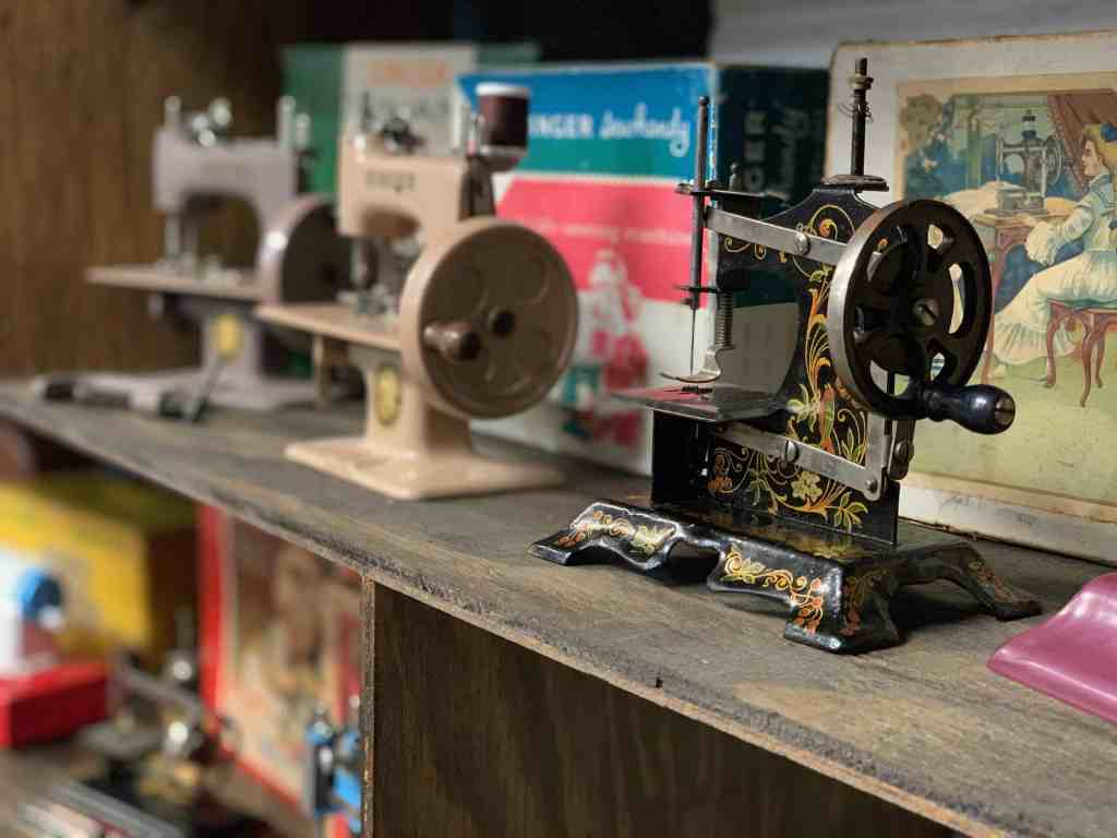 Hamilton Quilt Museum toy sewing machines