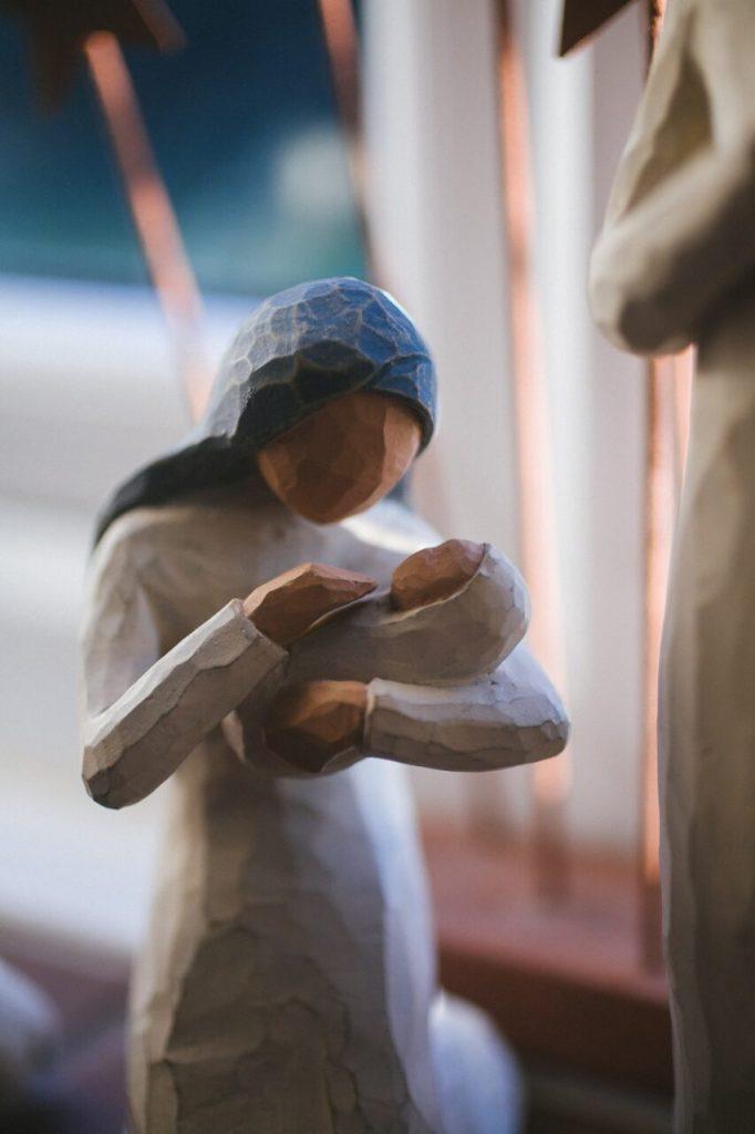 pekerjaan ibu rumah tangga patung boneka