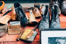 Daftar tips bisnis cuci sepatu dengan untung besar