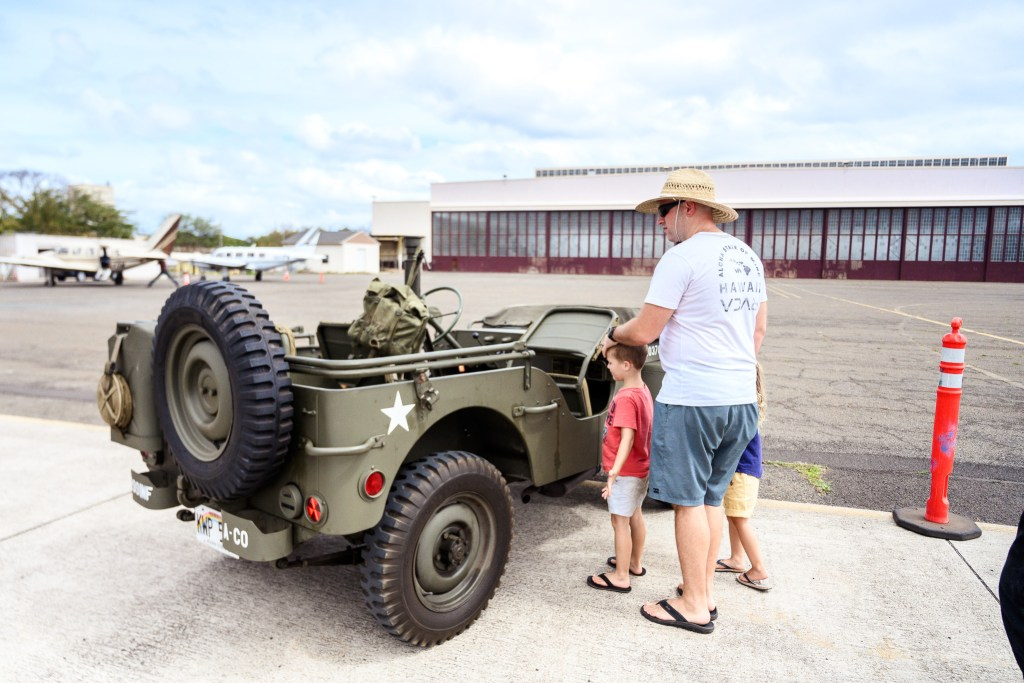 jeep tour of museum with family Oahu Hawaii