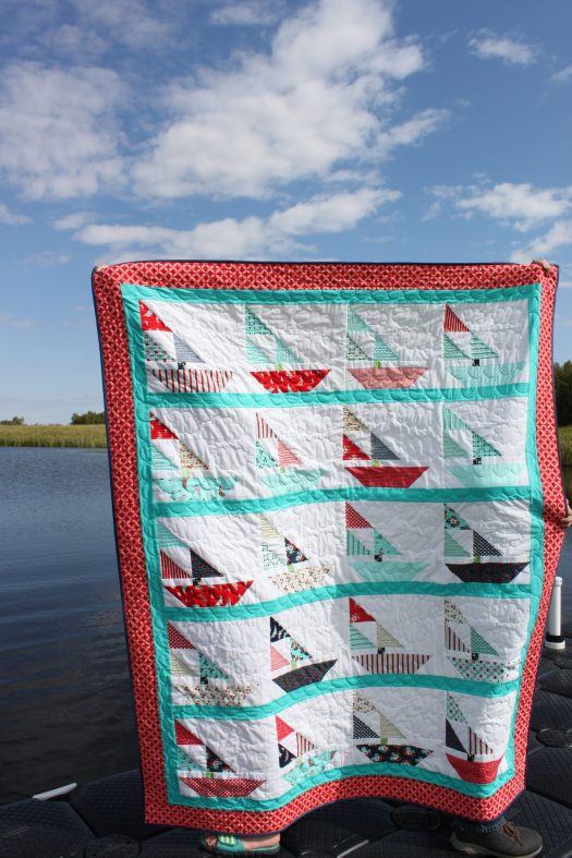 Free sailboat quilt pattern.