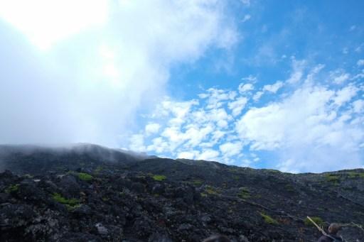 climbing-mount-fuji-mt-fuji-japan-hiking