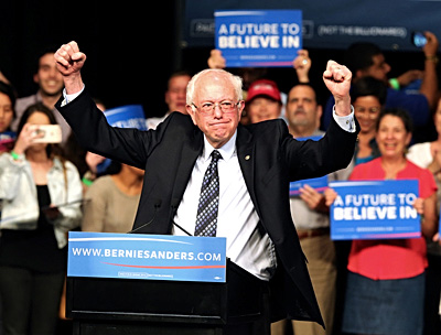 sanders-pumps-up-the-crowd