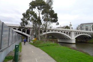 Church Street Bridge - links Church Street in Richmond on the north bank with Chapel Street in Prahran on the south