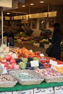 fruit-stall-paris