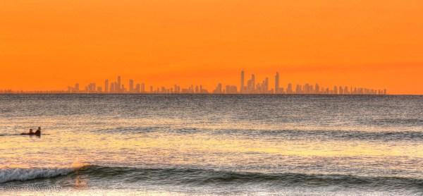 Surfers Paradise silhouette