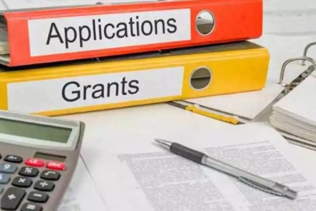 are-you-writing-a-grant-application-or-announcing