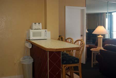 Hawaiian Inn Resort - Kitchen Counter