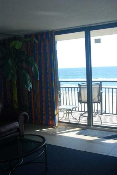 Hawaiian Inn - Balcony View