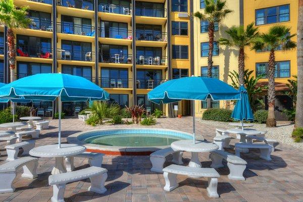 Hawaiian Inn DSC 4301 2 3 4 5 tonemapped