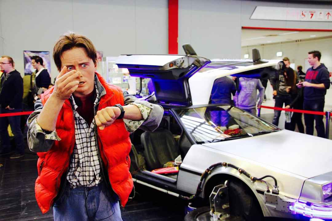 Cars and Photo Ops at the Minneapolis Comic Con