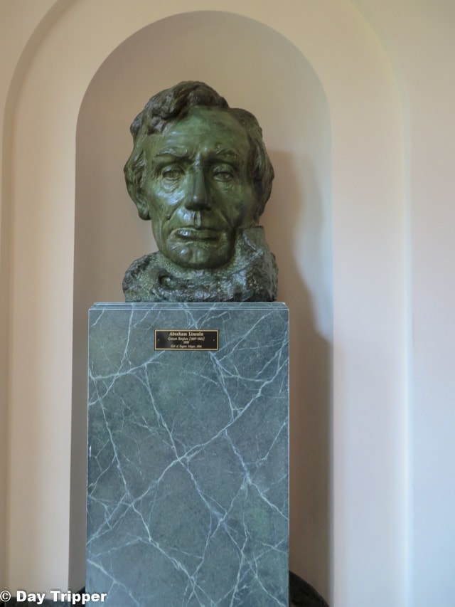 Bust of Abe Lincoln