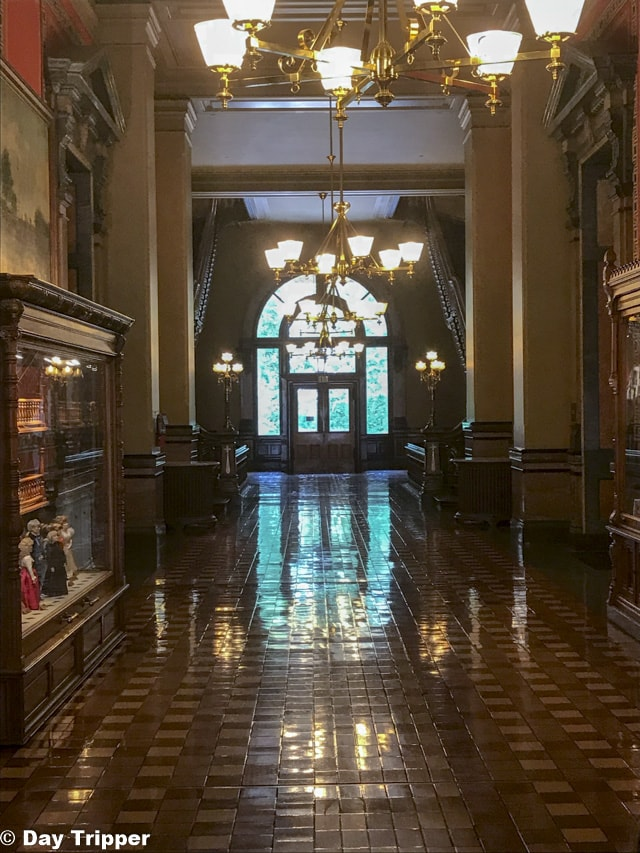 Hallways inside the Iowa State Capitol