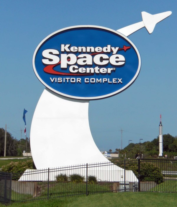Visit the Kennedy Space Center! #VisitKSC | Daytripping Mom