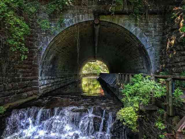 Water: Corbetts Glen Tunnel