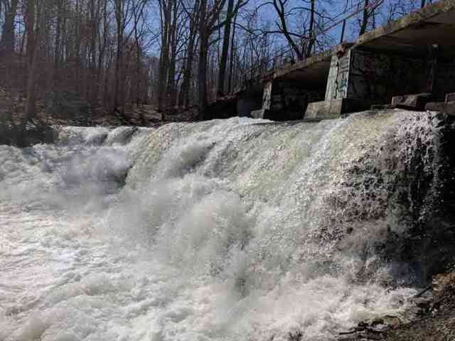 Water: Papermill Falls Avon