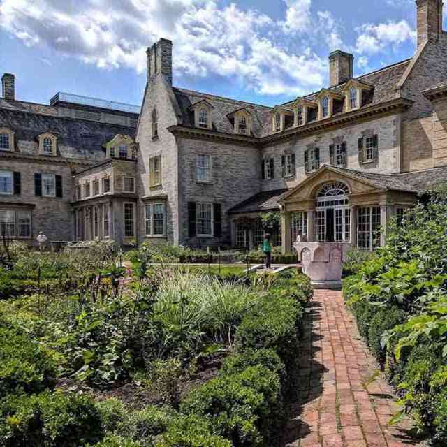 Beautiful Gardens Near Rochester: George Eastman House Museum garden