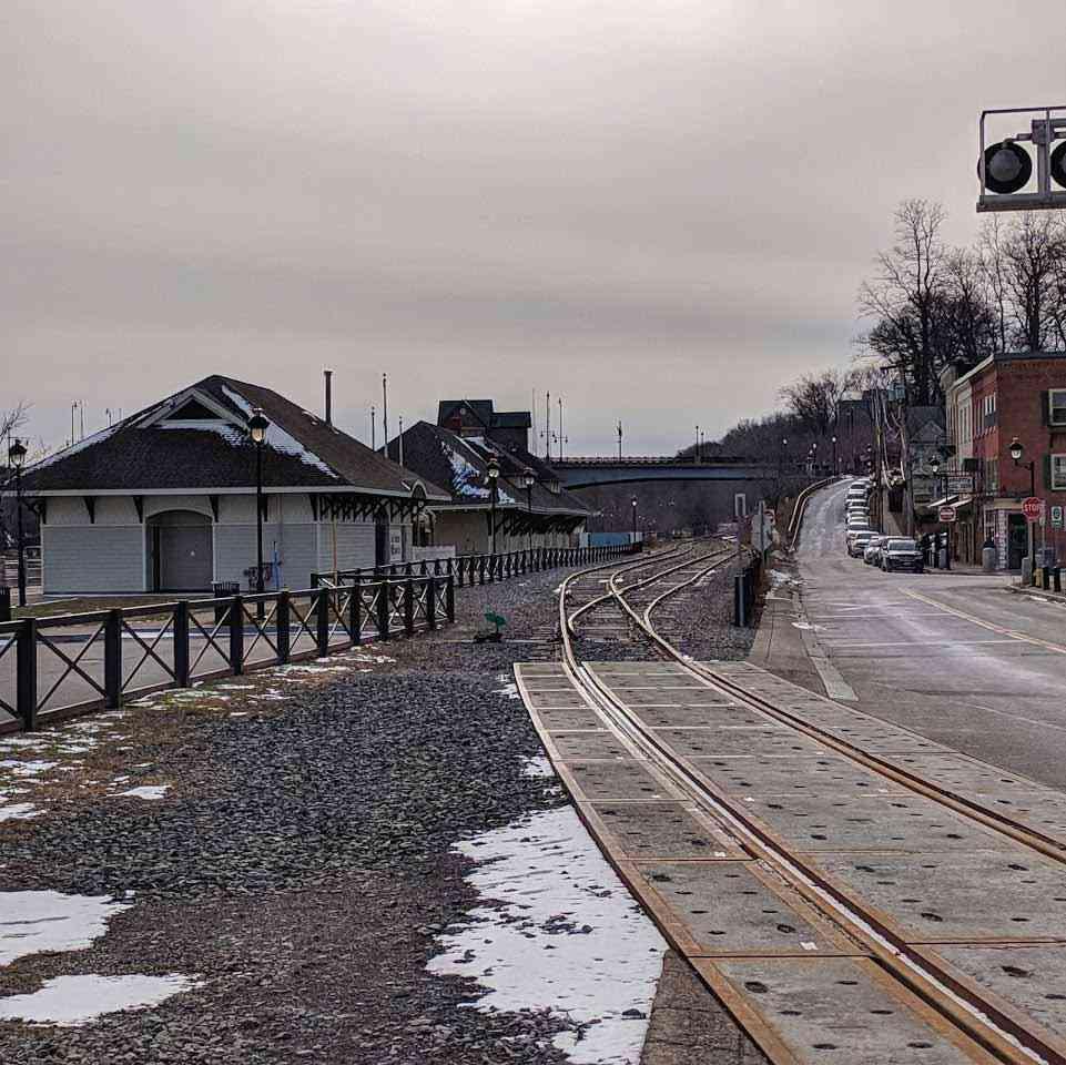 Train Depot Roc Harbor Clam