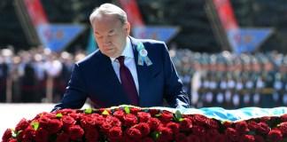 Глава государства принял участие в церемонии возложения цветов к Мемориалу Славы в Парке имени 28 гвардейцев-панфиловцев.