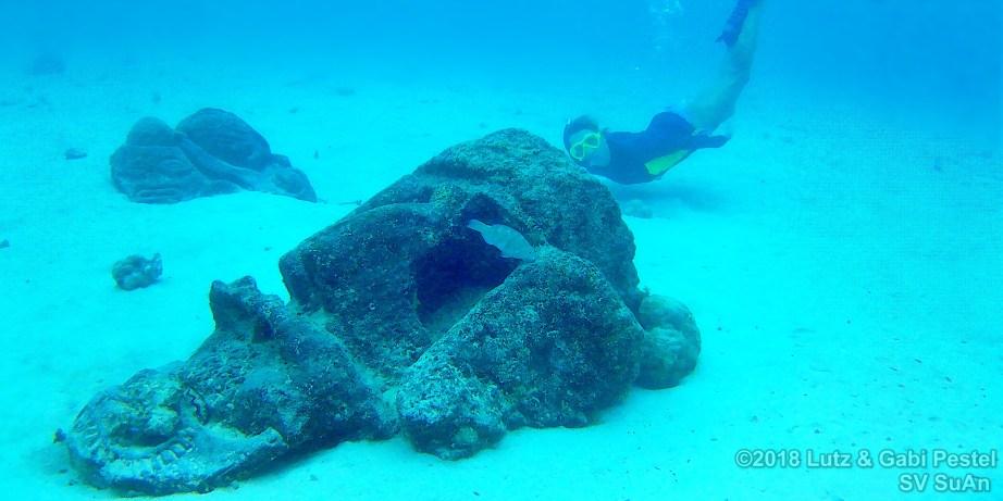 Underwater Tikis on Moorea