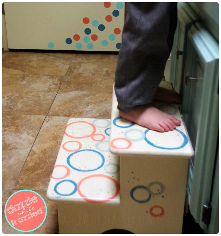 How to redo and makeover a kids step stool using primer, paint and fun painted details