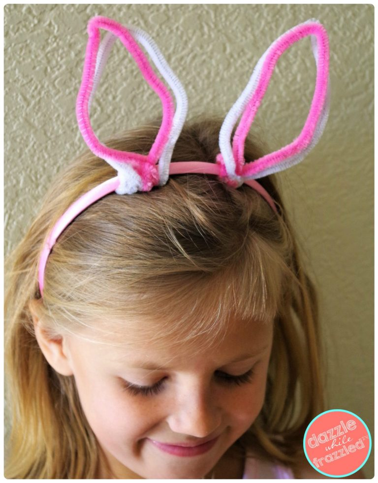DIY cute pipe cleaner Easter bunny for spring crafts for kids