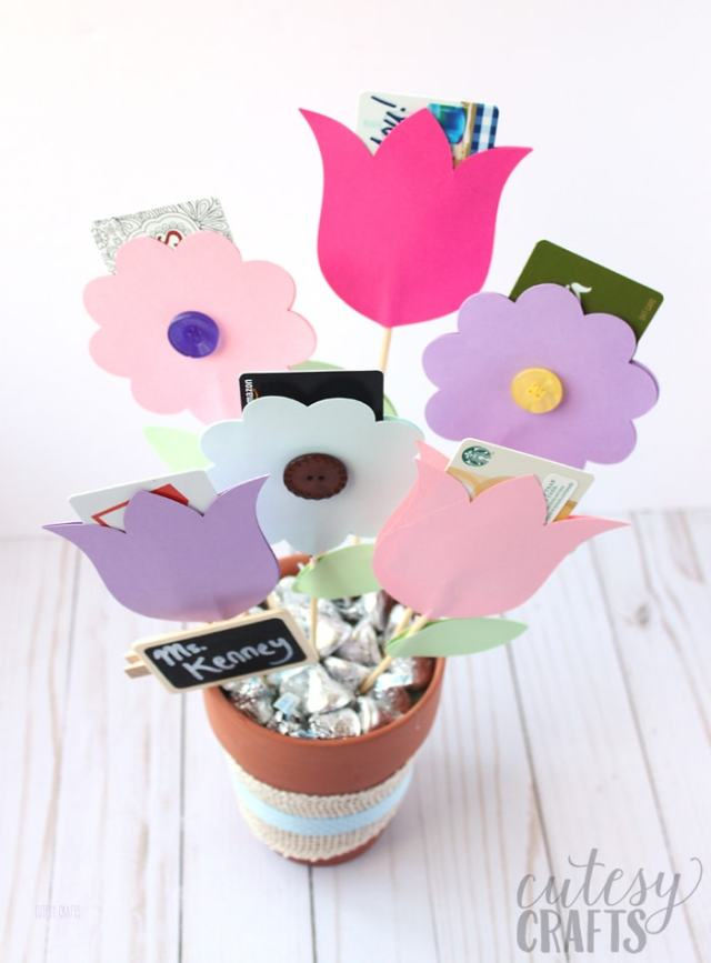 DIY paper flower gift card envelopes as part of a gift card bouquet.