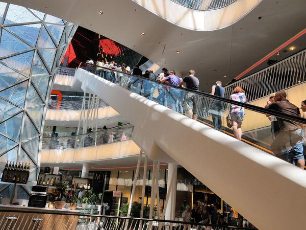 Zeil Shopping Promenade Frankfurt Tourism