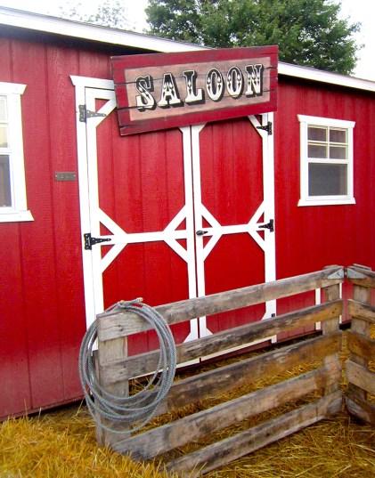Saloon Photo Booth