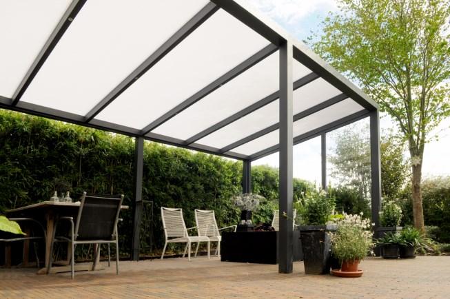 Vrijstaande-veranda-polycarbonaat-Legend-Edition