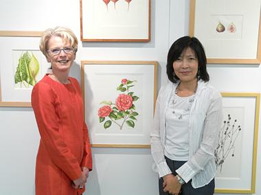 Akiko Enokido and Vicky Obenshain with Akiko's Camellia Japonica.