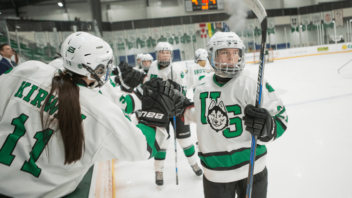 Dominant three-goal first period carries Huskies over Cougars - Huskie  Athletics