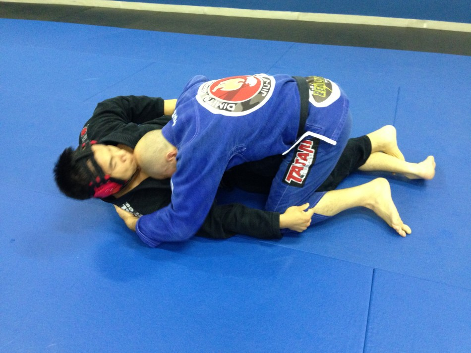 Yue Chao with his signature bottom half guard game