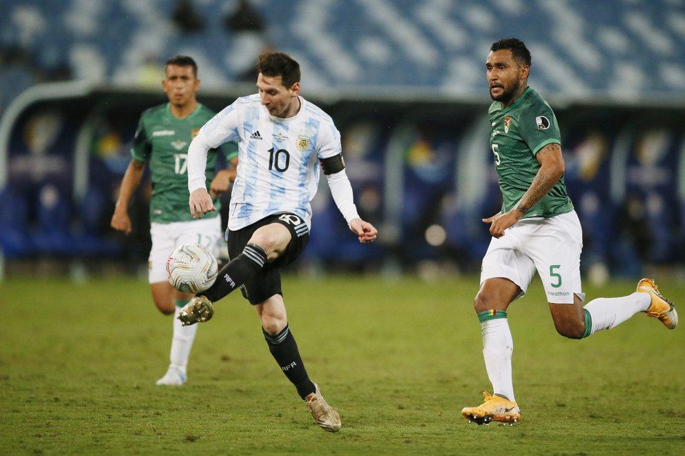 Argentina goleó 4-1 a Bolivia y avanzó como líder de su grupo a los cuartos de final de la Copa América