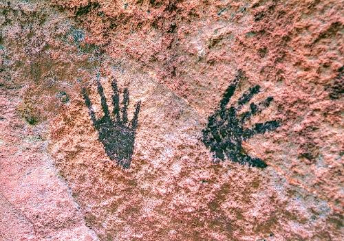 prehistoricart2hands