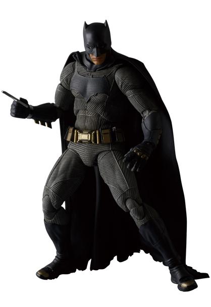 MAFEX-BvS-Batman-004