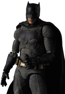 MAFEX-BvS-Batman-005