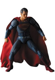 MAFEX-BvS-Superman-003