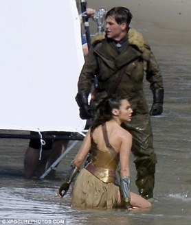 Wonder_Woman_Beach_05