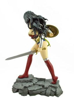 Wonder_Woman_Statue_03