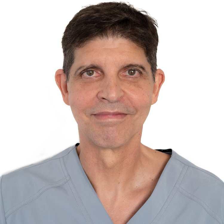 Dr. Roberto de Céspedes Rodríguez