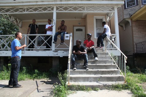 BrothersHypnotic_publicitystill_02_Chicago_home_photoby_Ian_Kibbe