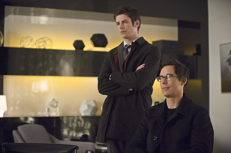 """The Flash -- """"All Star Team Up"""" -- Image FLA118B_0334b -- Pictured: Grant Gustin as Barry Allen and Tom Cavanagh as Harrison Wells -- Photo: Cate Cameron/The CW -- © 2015 The CW Network, LLC. All rights reserved."""