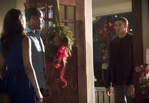 """The Flash -- """"Running to Stand Still"""" -- Image: FLA209b_0097b.jpg -- Pictured (L-R): Candice Patton as Iris West, Jesse L. Martin as Detective Joe West and Keiynan Lonsdale as Wally West -- Photo: Katie Yu/The CW -- © 2015 The CW Network, LLC. All rights reserved."""