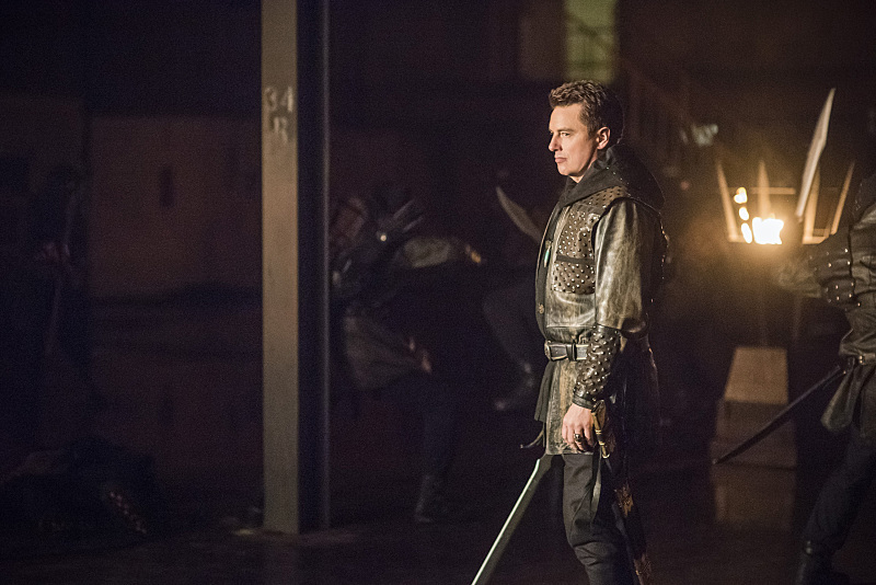 "Arrow -- ""Sins of the Father"" -- Image AR413b_0260b.jpg -- Pictured John Barrowman as Malcolm Merlyn -- Photo: Dean Buscher/ The CW -- © 2016 The CW Network, LLC. All Rights Reserved."